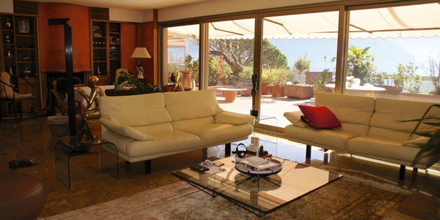 Wonderful TOP FLOOR APARTMENT with terrace, on Lugano lake shore