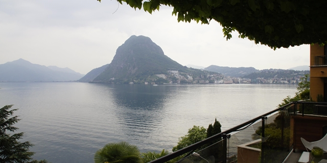 Villa with super lake view, romantic and very comfortable!