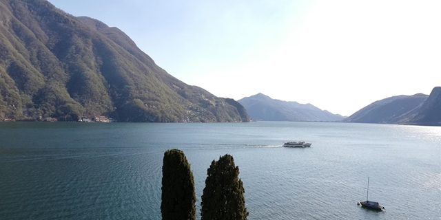 Bright 6,5 room Penthouse with panoramic terrace and stunning view over Lugano lake