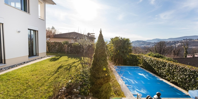 New VILLA, 300 sqm, very sunny and quiet, in dominant position!!